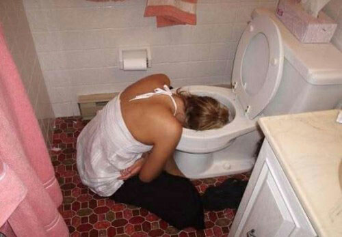 Funny-Drunk-Girl-head-toilet