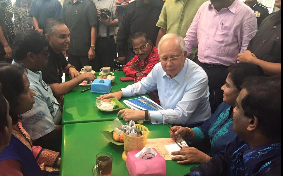 Najib Pays Surprise Visit To Indian Restaurant, Facebook Post Flooded With Fake Accounts? - World Of Buzz 2