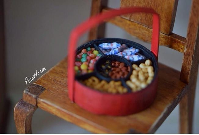 Malaysian Artist Crafts Insanely Cute Miniature Versions of All Your Childhood Snacks - World Of Buzz 9