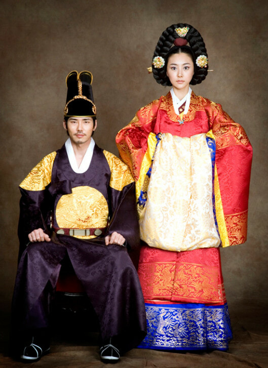 Different Traditional Wedding Outfits in Asian Countrie - World Of Buzz 3