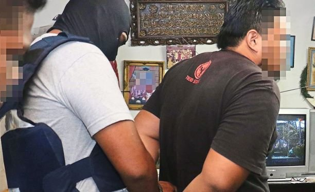 IS Members Threatened To Attack Malaysian Cops - World Of Buzz