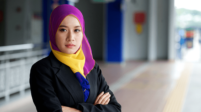 Malays Graduates Are Less Likely To Be Employed, But It's Not Because of Racism Says MEF Director - World Of Buzz