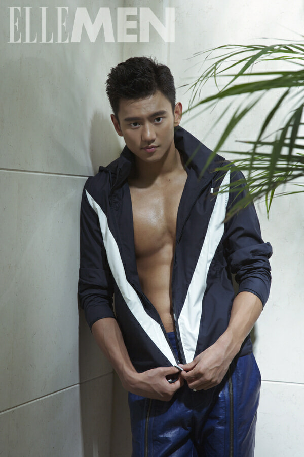 Ning Zetao is hot HOT in cold waters - World Of Buzz 11