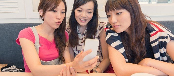9 Types of Mobile Phone Users in Malaysia - World Of Buzz 7