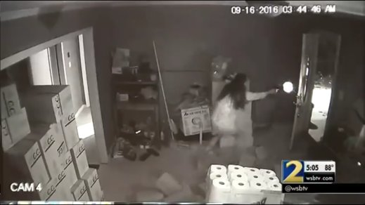 Asian Woman Went Full On 'Gungho' Mode As Home Burglars Breaks Into House - World Of Buzz 3