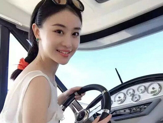 Chinese University has Policy only to Hire Extremely Attractive Women - World Of Buzz 3