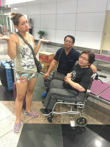 "KLIA Immigration Officer Extremely Rude To Family, Shouts ""WHAT YOU DOING?! YOU LOST??"" - World Of Buzz 1"