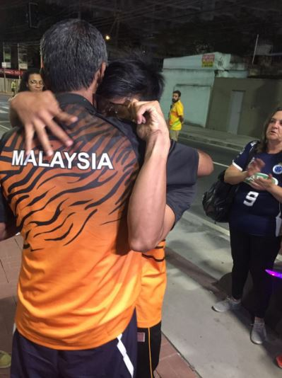 Malaysian Paralympic Gold Medalists Singing 'Negaraku' Will Break Your Heart - World Of Buzz