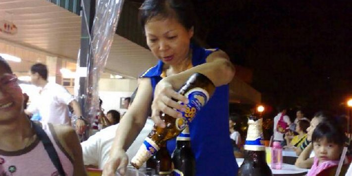 Ungrateful Singaporean Son Embarrassed Because Mother Is A 'Beer Aunty' - World Of Buzz
