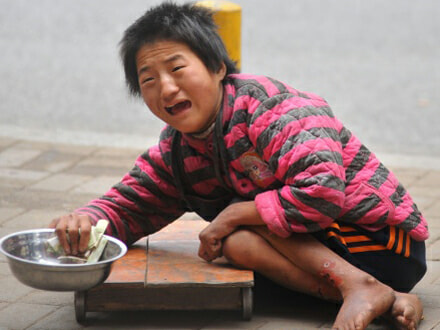 Foreign cripples brought in by Chinese gang to beg on the streets of Malaysia - World Of Buzz