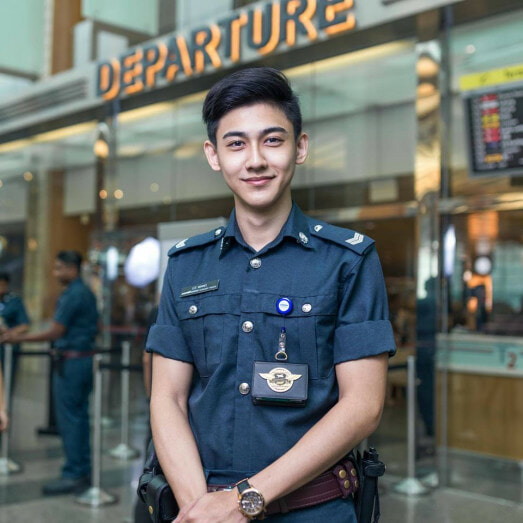 Handsome Singaporean Airport Officer Who Went Viral Is Finally Identified! - World Of Buzz 1