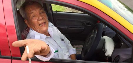 Malaysian Shares Heartwarming Story of Honest Taxi Driver Who Returned His iPhone - World Of Buzz