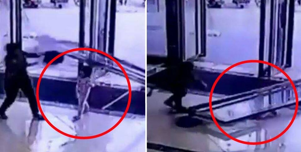 Gigantic Glass Door Shockingly Falls And Smashes Toddler In China - World Of Buzz