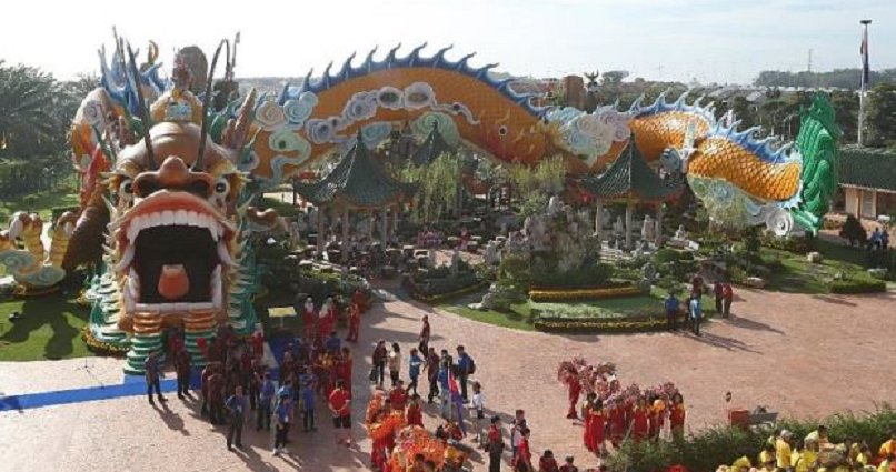 Johor Just Launched World's Biggest and Longest Dragon Tunnel - World Of Buzz 1
