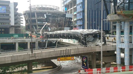 KL Eco Bridge Collapsed Injuring Several People - World Of Buzz 5
