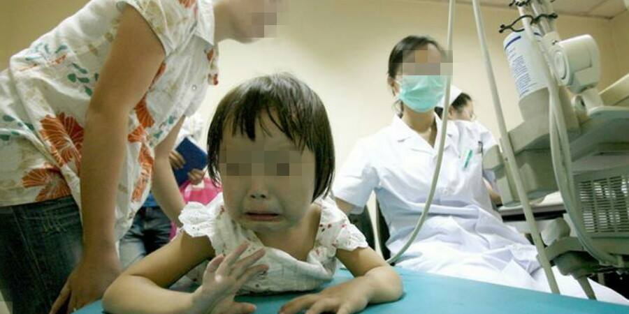 Singapore Clinic Roughly Pins Sick Children Down For Treatment - World Of Buzz