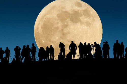 Supermoon Sighting From 7:24pm And Until 9:54pm On November 14 In Malaysia - World Of Buzz 2