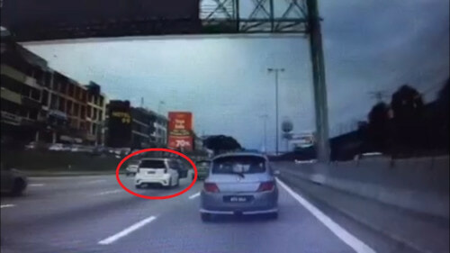This White Myvi Caused A Massive Jam And A Six-Car Accident On The LDP - World Of Buzz 2