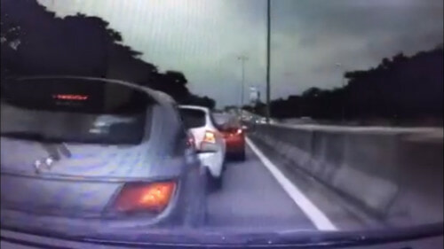 This White Myvi Caused A Massive Jam And A Six-Car Accident On The LDP - World Of Buzz 3