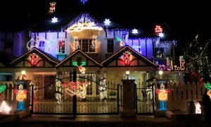 And the most epic Christmas decoration goes to... - World Of Buzz 4