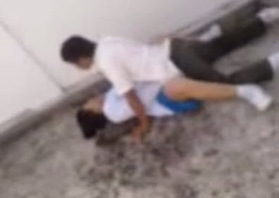 Malaysian Students Filmed Kissing And Performing Obscene Acts FOUND! - World Of Buzz 2