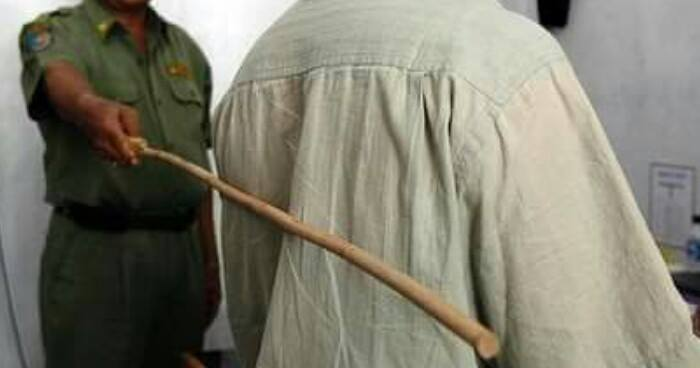 Corrupted Civil Servants Should Be Punished By Being Caned, Officials Said - World Of Buzz 4