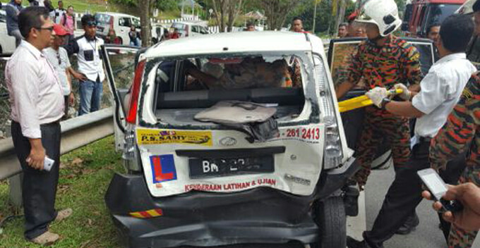 Driving Instructor Killed In Tragic Accident While Giving Trainee A Driving Lesson - World Of Buzz 2