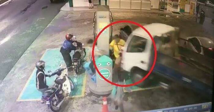 Lorry Suddenly Moves On Its Own And Rams Into Man At Petronas Located In Sarawak - World Of Buzz