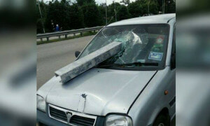 Pregnant Malaysian Lady Escapes Death After Massive Metal Pierces Through Her Car - World Of Buzz 1