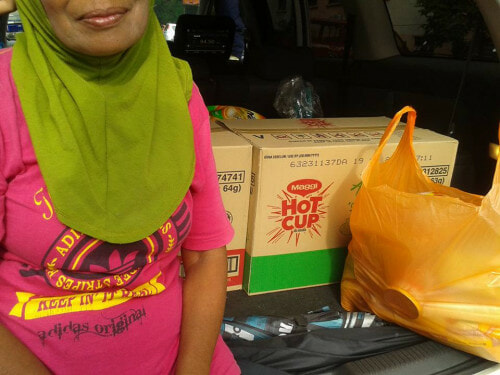 This Story Of A Malaysian Man, Woman And Maggi Cup Will Break Your Heart - World Of Buzz 1