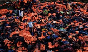 Refugees Drowned In Sea After Wearing Fake Life Jackets Stuffed With Cotton - World Of Buzz 1