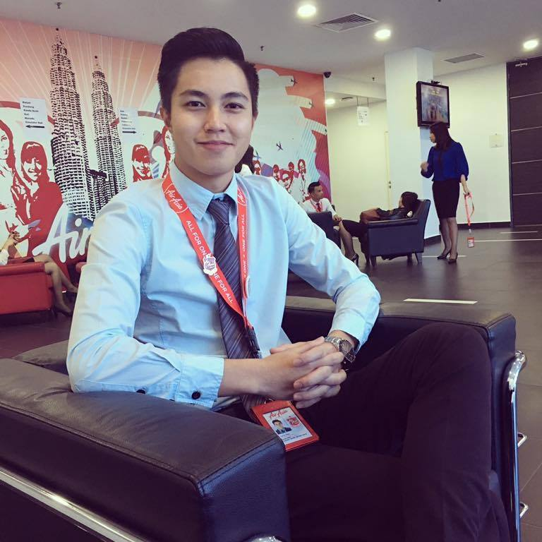 Handsome Air Asia Flight Attendant Captures Hearts with Inspiring Story of His Success - World Of Buzz 3