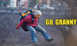 Paragliding Chinese Granny Flies into Our Hearts - World Of Buzz 3