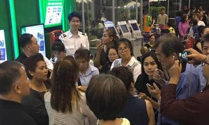 Unregistered Company Rips Off 2,000 Thai Tourists, Leaves Them Stranded at Airport - World Of Buzz 2
