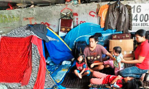 Impoverished Family with 9-month-old Baby Live Under Flyover in Poor Condition - World Of Buzz 1