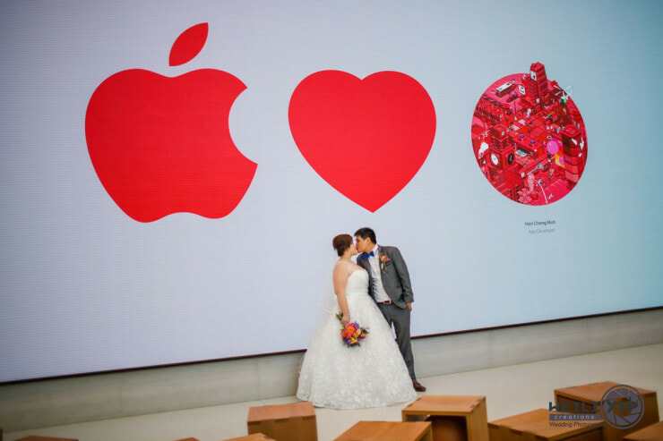 Cute Singaporean Couple Took Their Wedding Photos at The Apple Store - World Of Buzz 16