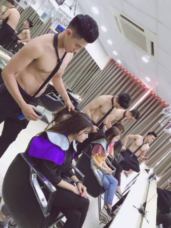 Handsome Hunks Attract Customers To Newly Opened Vietnam Beauty Salon - World Of Buzz 5