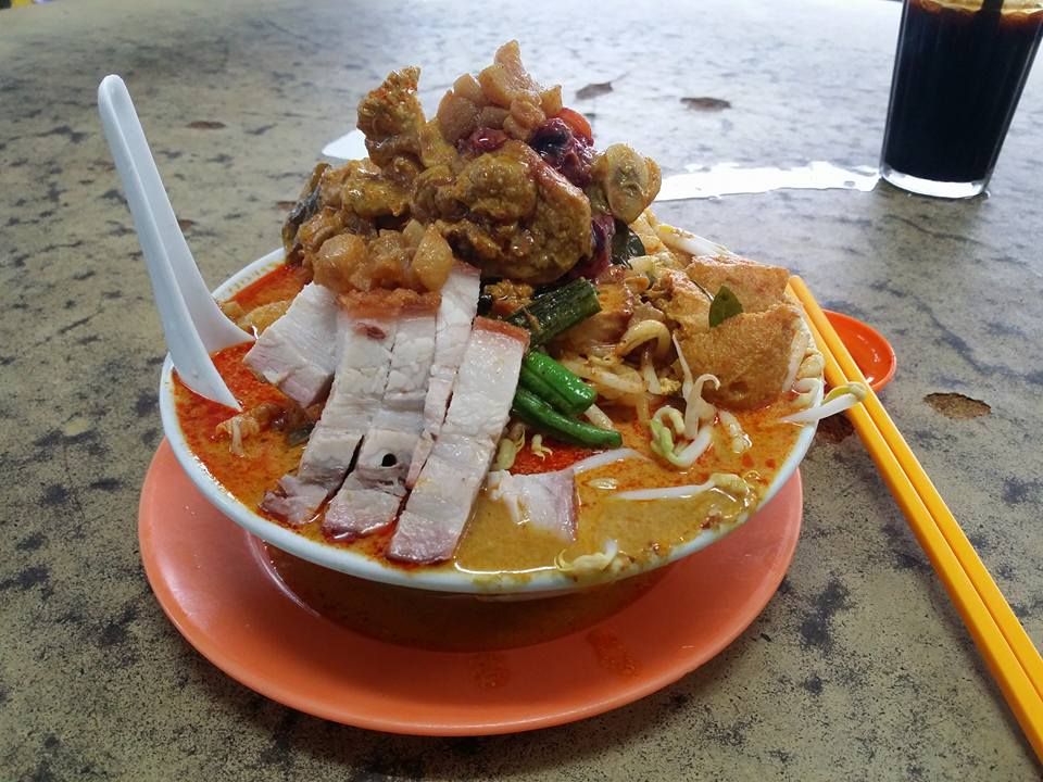 Malaysian Netizens are Freaking Out Over this Monstrous Curry Laksa - World Of Buzz 6