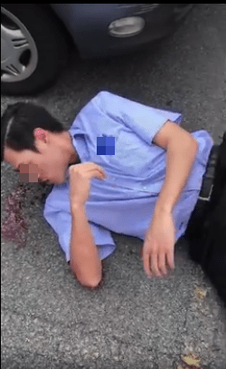 Pervert Arrested After Caught Trying to Grab Girls' Private Parts in Shopping Mall - World Of Buzz 1