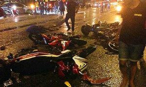 Johor Motorcyclists Stop to Help Crash Victims, End Up Getting Killed in Another Accident - World Of Buzz 4