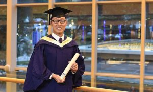 'Last Class Student' Shares Inspiring Story of How He Graduated with Honours - World Of Buzz