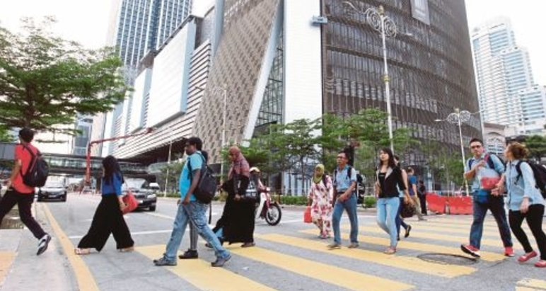 Malaysia is the Third Laziest Country in the World According to Research - World Of Buzz