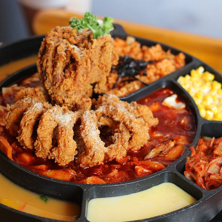 Top 7 Heavenly Korean Fried Chicken in Singapore to Satisfy Your Cravings - World Of Buzz 9