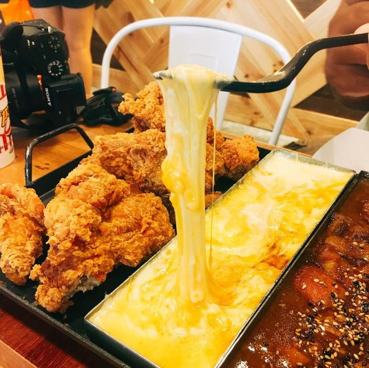 Top 7 Heavenly Korean Fried Chicken in Singapore to Satisfy Your Cravings - World Of Buzz 12