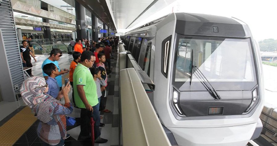 Glitch on MRT Causes 1 Hour Delays, Thousands of Commuters Late for Work - World Of Buzz 1