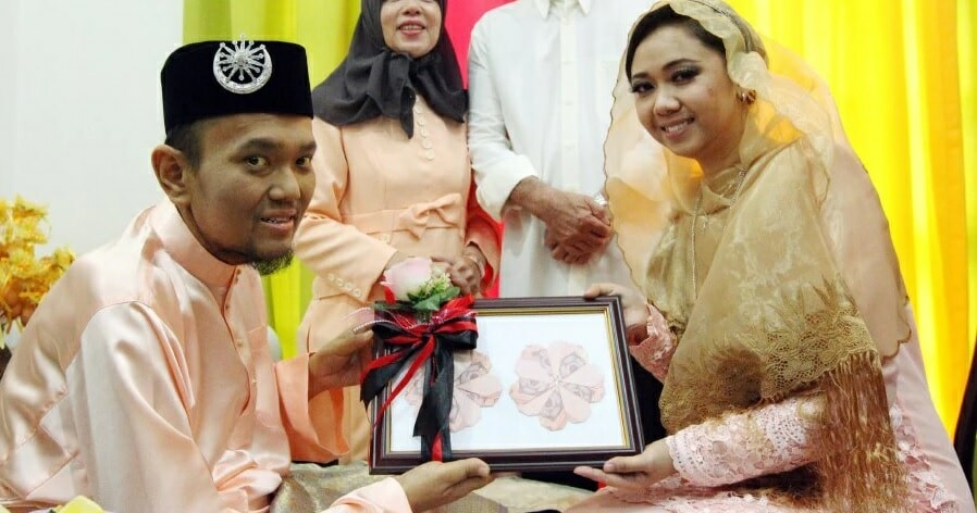 Lady Converts to Islam and Marries College Sweetheart with Stage-Four Cancer - World Of Buzz 4