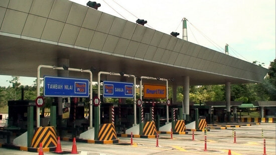 Viral Message Saying Cameras Installed at Toll Booths to Catch Errant Motorists NOT True - World Of Buzz