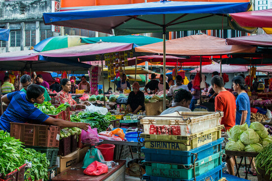 Locals Complain That Foreigners are Taking Over Wet Markets in Klang Valley - WORLD OF BUZZ 1