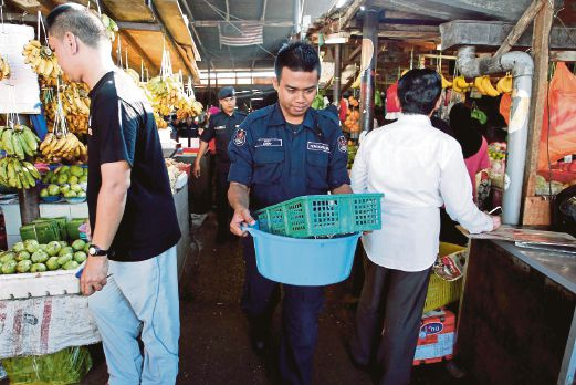 Locals Complain That Foreigners are Taking Over Wet Markets in Klang Valley - WORLD OF BUZZ 3