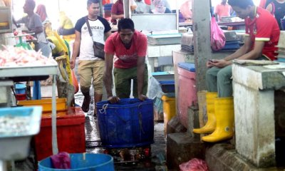 Locals Complain That Foreigners are Taking Over Wet Markets in Klang Valley - WORLD OF BUZZ 5